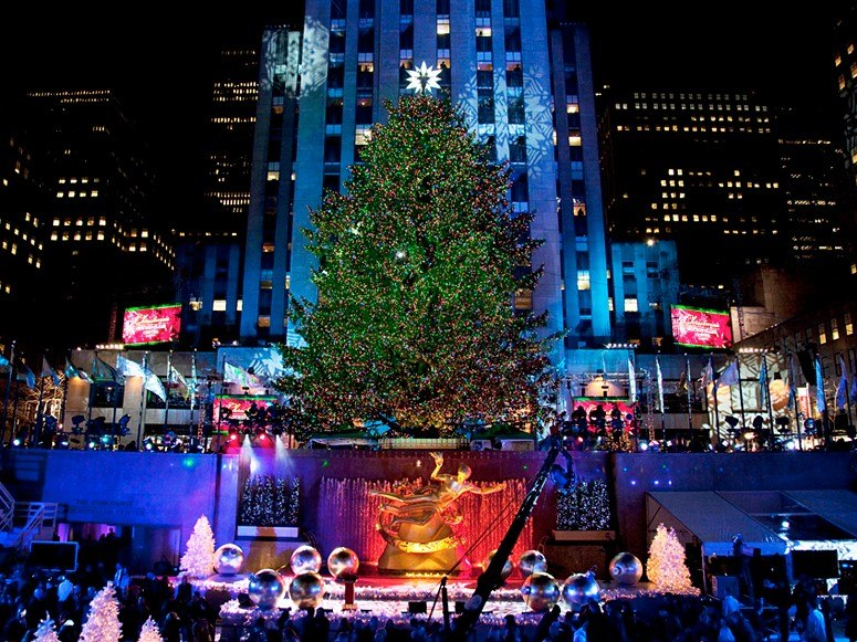 item0.rendition.slideshowWideHorizontal.1-nyc-rockefeller-christmas-tree