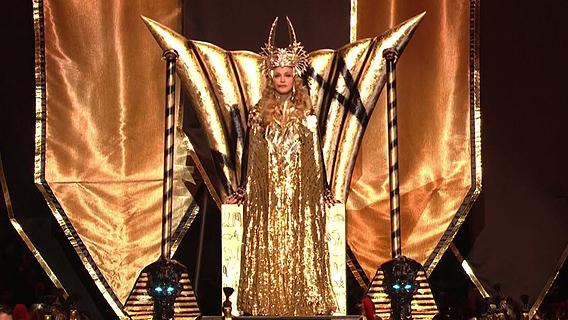 Illuminati-Super-Bowl-Half-Time-Show-Symbolism-Explained-Madonna