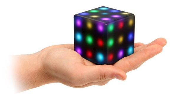 f15a_princip_interactive_led_futuro_cube