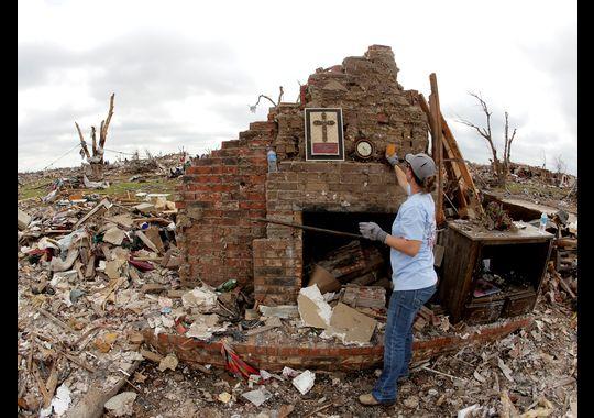 1369664358001-AP-Oklahoma-Tornado2-1305271207_4_3_rx383_c540x380