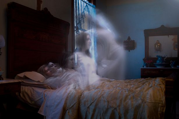 Spirit-rising-from-body-ghost-death-1914250