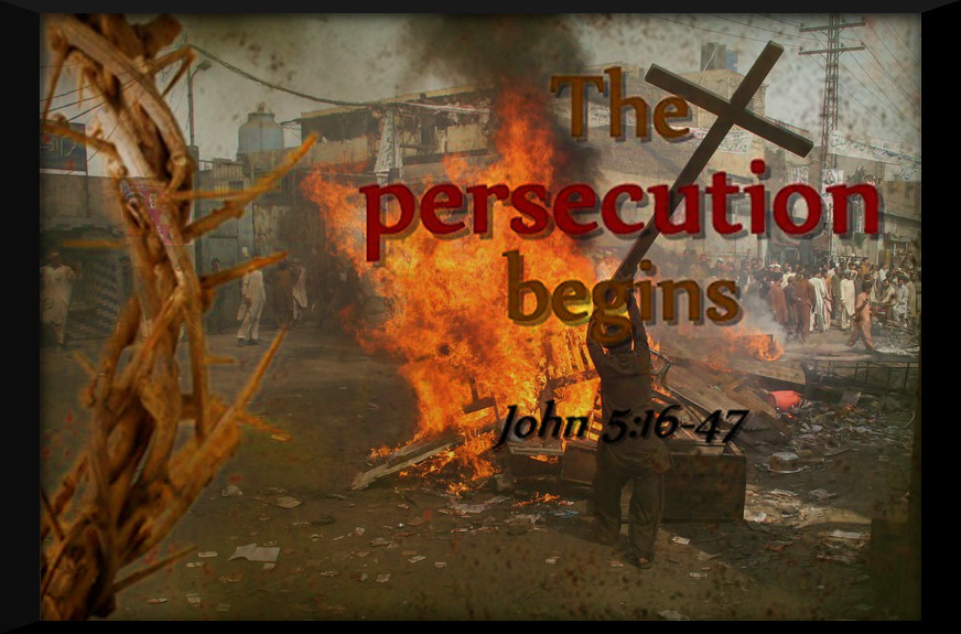Musims-Burn-Christian-Homes-in-Pakistan-Christian-Persecution