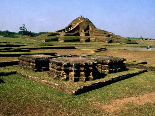 ruins_of_the_buddhist_vihara_at_paharpur__bangladesh__5_