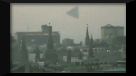 2672165985-giant-pyramid-ufo-hovers-moscow