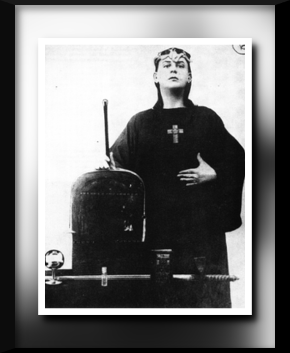 240px-Aleister_Crowley_1