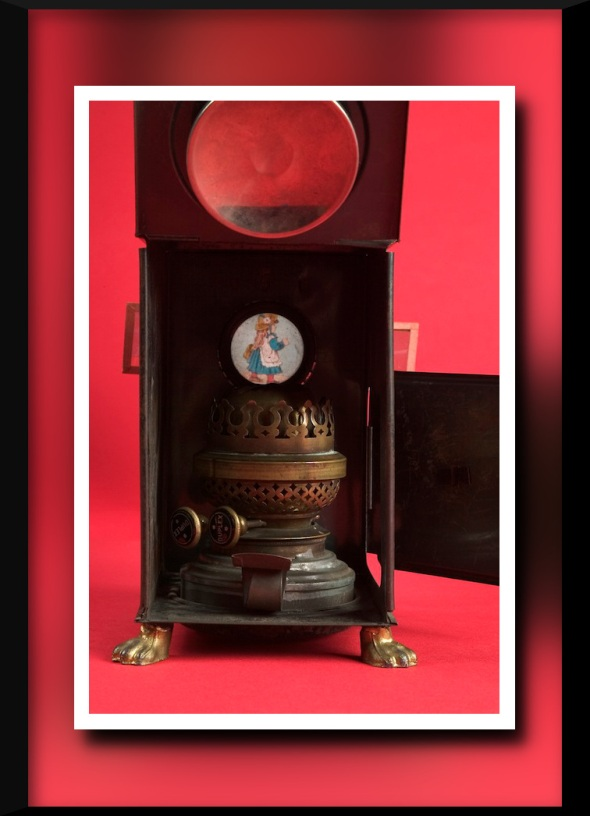 The_Childrens_Museum_of_Indianapolis_-_Magic_lantern_-_detail