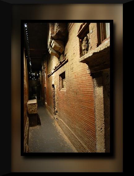 vatican-necropolis-corridor-01-278x420