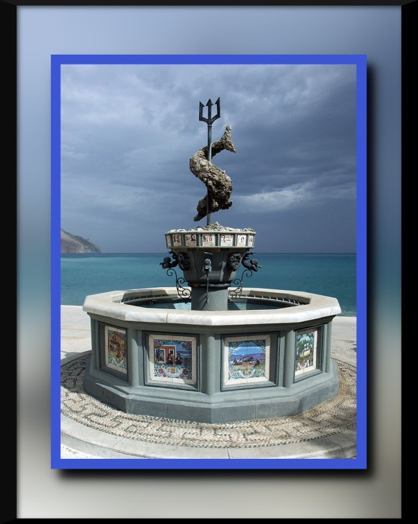 Diafáni_–_Fountain_of_Neptune_-_1