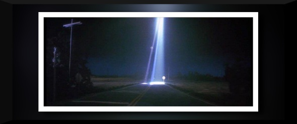CLOSE-ENCOUNTER-LIGHT.jpg-2