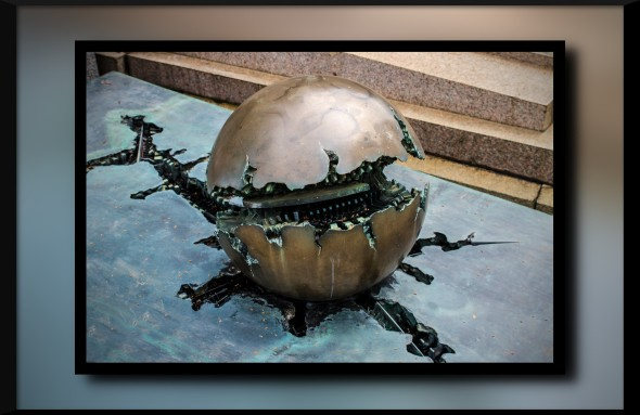 arnaldo_pomodoro_sphere_by_attomanen-d62m187